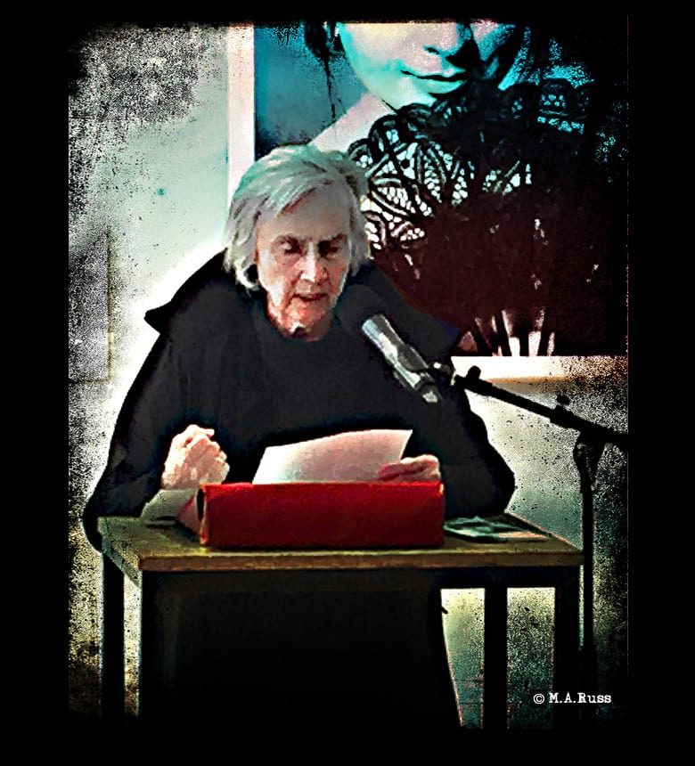 Aldona Gustas liest im FHXB zur Ausstellungseröffnung 20 Jahre Kreuzberger Chronik, Foto: © Michael Russ