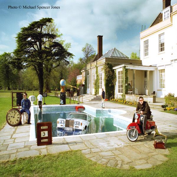 Oasis, Be Here Now © Michael Spencer Jones